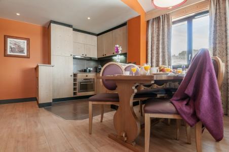 Rent in ski resort Résidence P&V Premium l'Amara - Avoriaz - Dining area