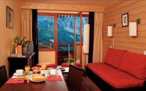 Rent in ski resort Résidence Pierre & Vacances Saskia Falaise - Avoriaz - Living room