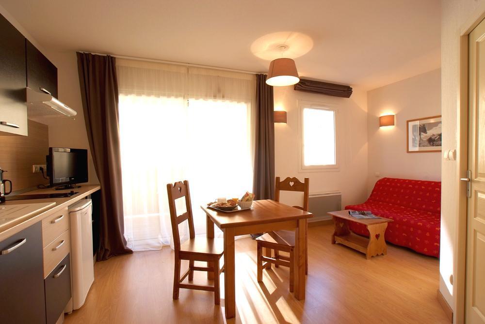 Location au ski Studio 2 personnes - Residence Domaine De La Vallee D'ax - Ax-Les-Thermes - Coin repas