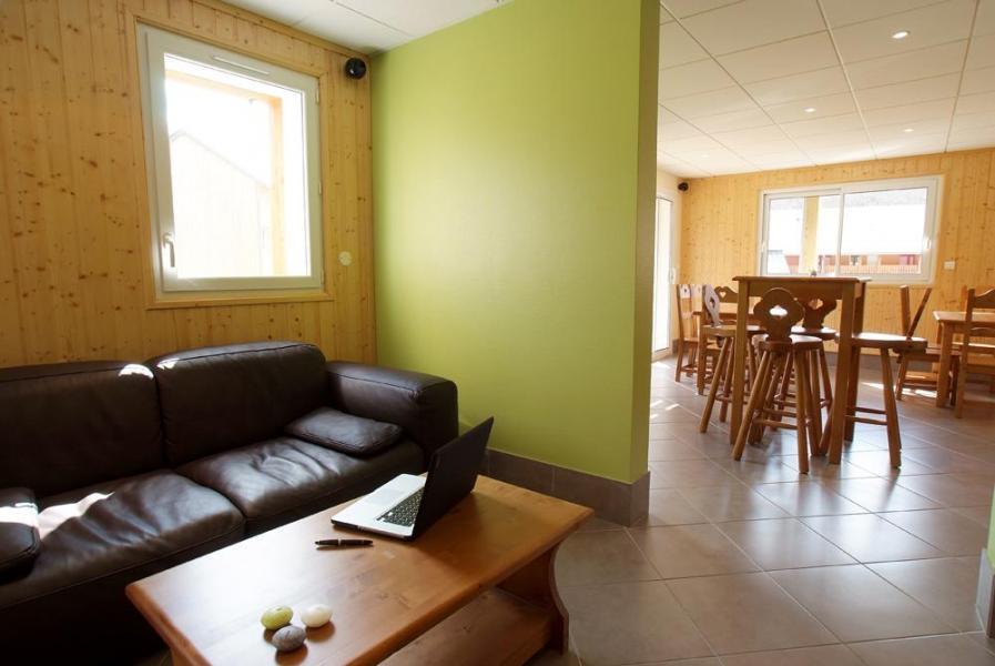 Rent in ski resort Résidence Domaine de la Vallée d'Ax - Ax-Les-Thermes - Settee