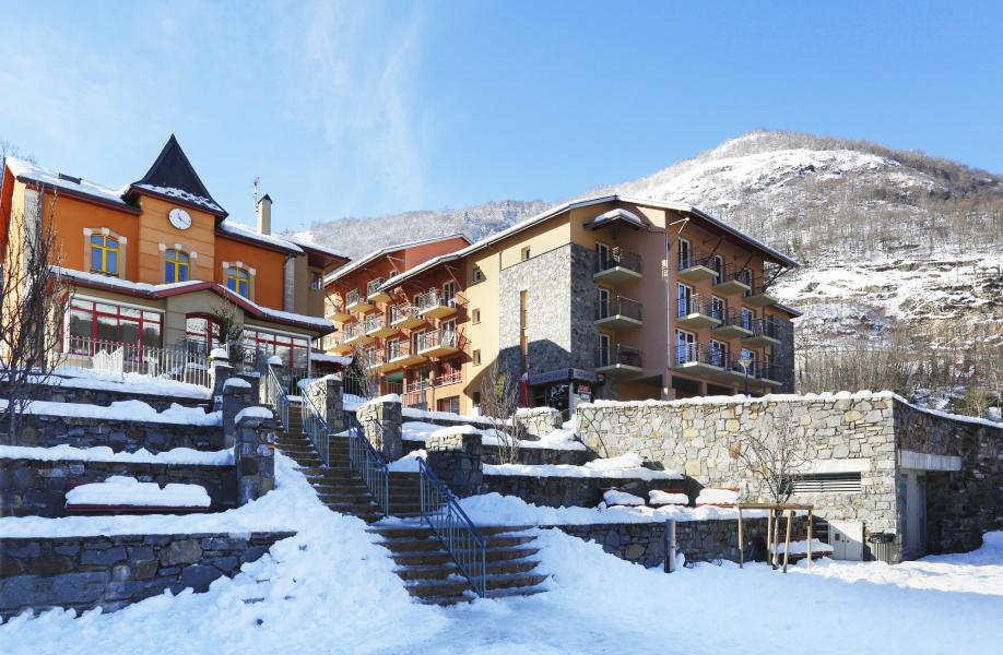 Rent in ski resort Résidence les Grands Ax - Ax-Les-Thermes - Winter outside