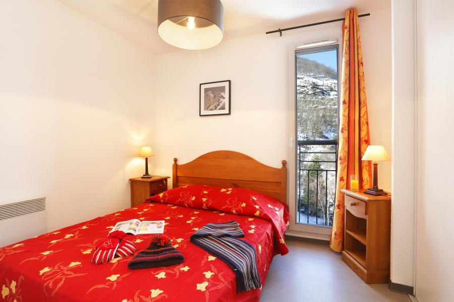 Rent in ski resort Résidence les Grands Ax - Ax-Les-Thermes - Bedroom