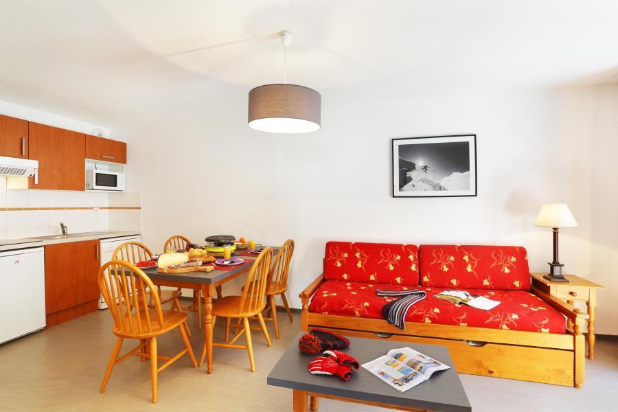 Rent in ski resort Résidence les Grands Ax - Ax-Les-Thermes - Sofa-bed