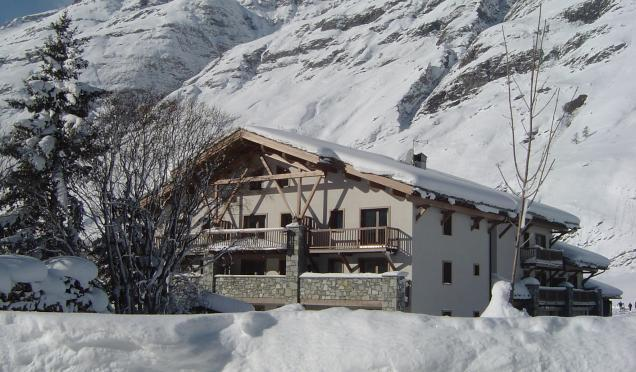 Rent in ski resort Residence Le Clos Vanoise - Bessans - Winter outside