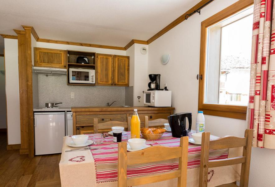 Rent in ski resort Residence Le Clos Vanoise - Bessans - Living room