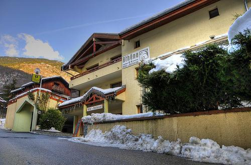Location au ski Hotel Athena - Brides Les Bains - Extérieur hiver
