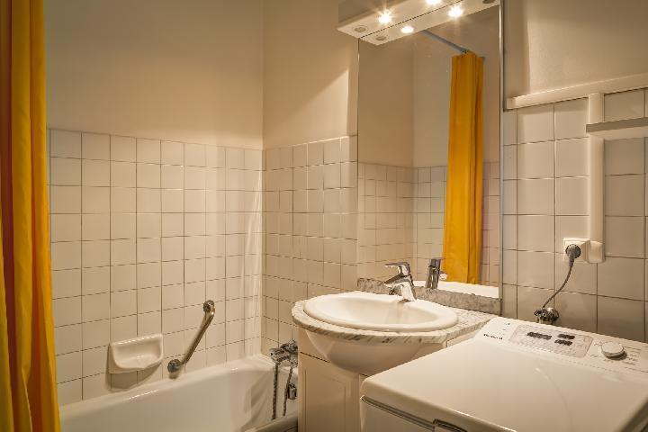 Location au ski Studio 2 personnes (34) - Residence Villa Louise - Brides Les Bains - Lave-linge