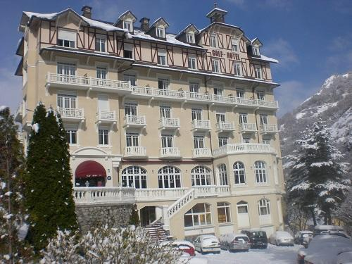 Holiday in mountain resort Le Golf Hôtel - Brides Les Bains - Winter outside