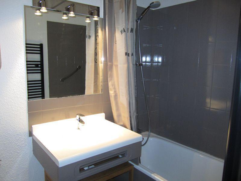 Location au ski Studio 4 personnes (102) - Résidence le Grand Chalet - Brides Les Bains - Salle de bains