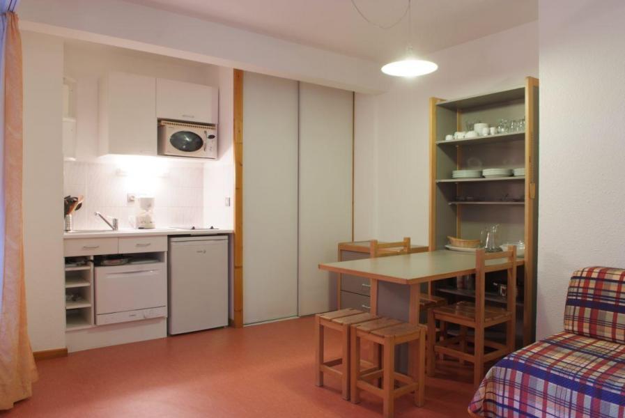 Location au ski Studio 4 personnes (220) - Résidence le Grand Chalet - Brides Les Bains - Coin repas