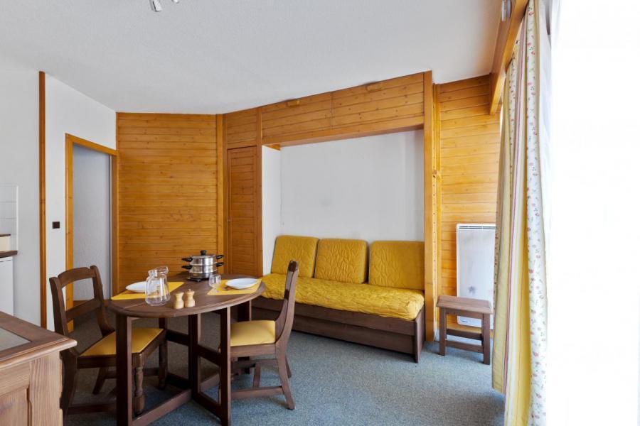 Location au ski Studio cabine 4 personnes (TARB10) - Résidence Tarentaise - Brides Les Bains - Table