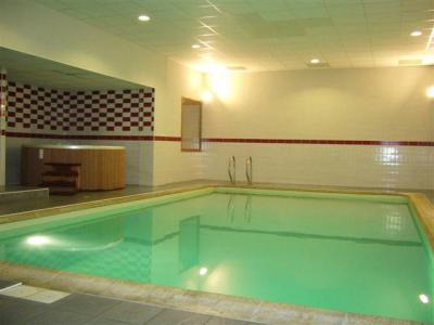 Location au ski Appartement 3 pièces cabine 8 personnes (423) - Residence Cybele - Brides Les Bains - Piscine