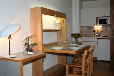 Location au ski Studio coin montagne 4 personnes (1110) - Residence Cybele - Brides Les Bains - Coin repas