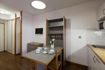 Location au ski Studio 2 personnes (223) - Residence Le Grand Chalet - Brides Les Bains - Piscine privée
