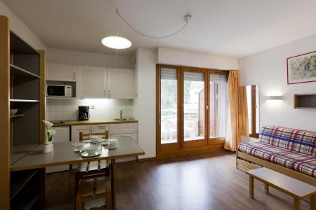 Location au ski Studio 2 personnes (223) - Residence Le Grand Chalet - Brides Les Bains - Radio