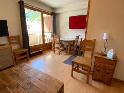 Location au ski Studio cabine 5 personnes (301) - Residence Le Grand Chalet - Brides Les Bains - Chaise