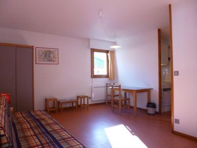Location au ski Studio coin montagne 4 personnes (311) - Residence Le Grand Chalet - Brides Les Bains - Chaise