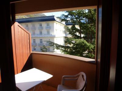 Location au ski Studio coin montagne 4 personnes (313) - Residence Le Grand Chalet - Brides Les Bains - Piscine privée