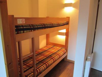 Location au ski Studio coin montagne 4 personnes (319) - Residence Le Grand Chalet - Brides Les Bains - Lits superposés
