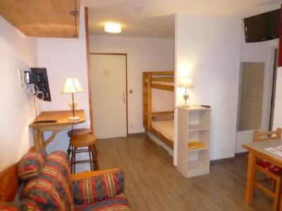 Location au ski Studio coin montagne 4 personnes (506) - Residence Le Grand Chalet - Brides Les Bains - Table