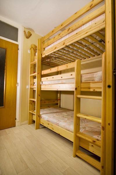 Location au ski Studio coin montagne 5 personnes (506) - Residence Royal - Brides Les Bains - Échelle de meunier
