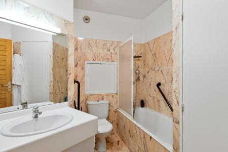 Location au ski Studio cabine 4 personnes (TARB10) - Résidence Tarentaise - Brides Les Bains - Baignoire