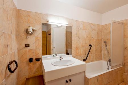Location au ski Studio coin montagne 4 personnes (TARB27) - Résidence Tarentaise - Brides Les Bains - Salle d'eau