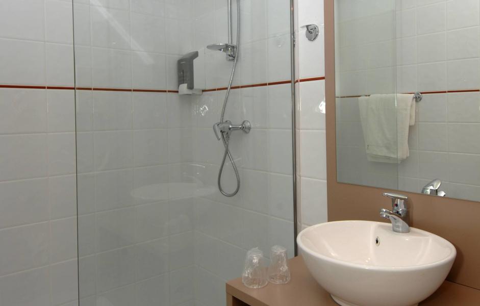 Location au ski Résidence Balnéo Aladin - Cauterets - Salle de bains