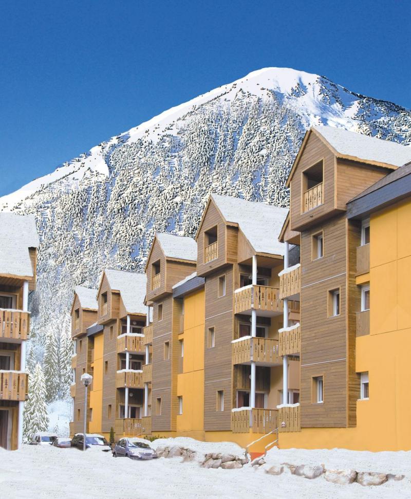 Vacances en montagne Résidence Lagrange le Domaine des 100 Lacs - Cauterets - Extérieur hiver