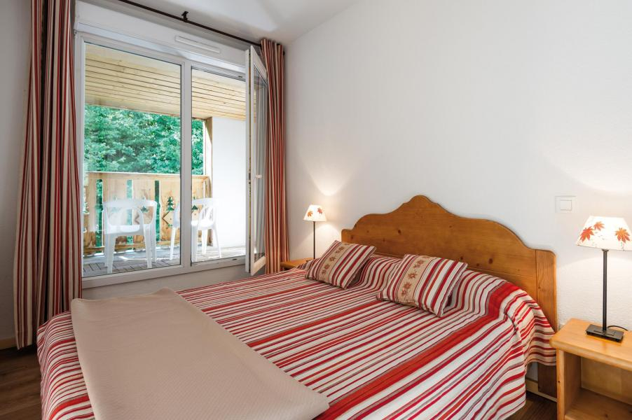 Rent in ski resort Résidence Lagrange le Domaine des 100 Lacs - Cauterets - Bedroom