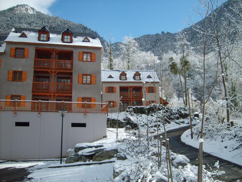 Location au ski Résidence les Chalets d'Estive - Cauterets - Extérieur hiver