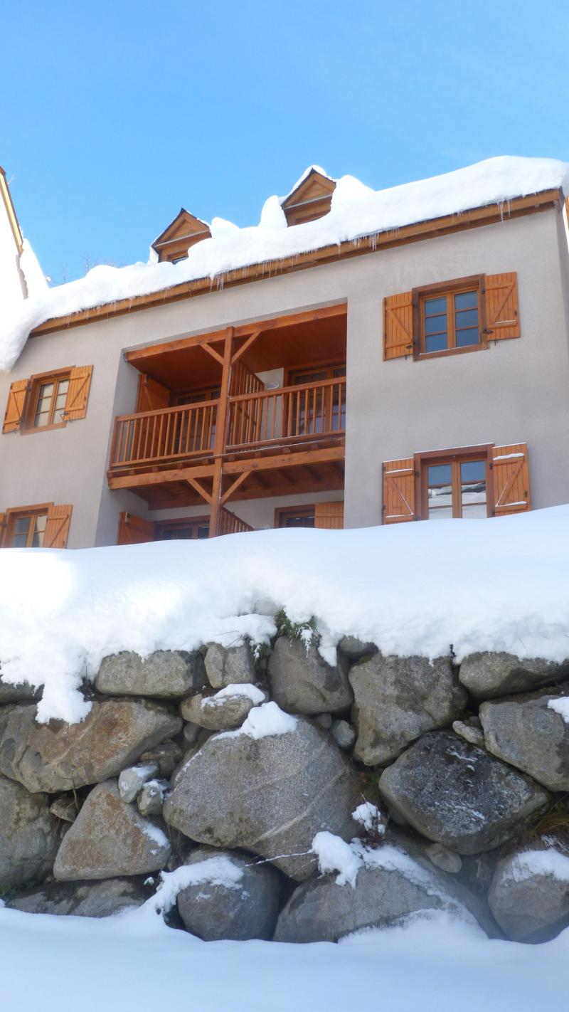 Vacances en montagne Résidence les Chalets d'Estive - Cauterets - Extérieur hiver