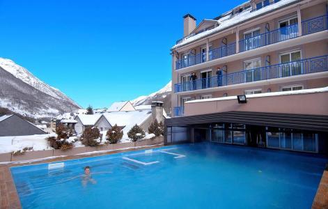 Vacances en montagne Résidence Balnéo Aladin - Cauterets - Extérieur hiver