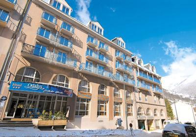Location au ski Residence Balneo Aladin - Cauterets - Extérieur hiver