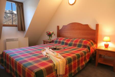 Location au ski Appartement duplex 2 pièces cabine 6 personnes - Residence Les Chalets D'estive - Cauterets - Chambre mansardée
