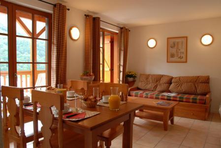 Location au ski Residence Les Chalets D'estive - Cauterets - Coin repas
