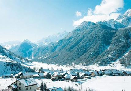 Location au ski Vvf Villages L'hochette - Ceillac en Queyras - Extérieur hiver