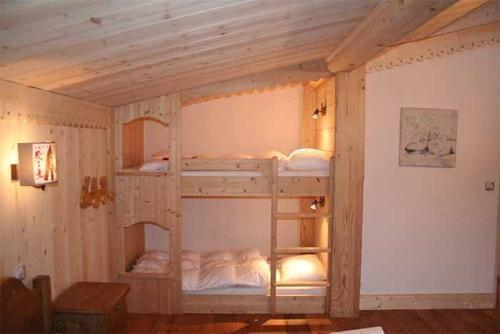 chalet 5 pi ces coin montagne 12 personnes chamonix alpes du nord chalet la taniere ski planet. Black Bedroom Furniture Sets. Home Design Ideas