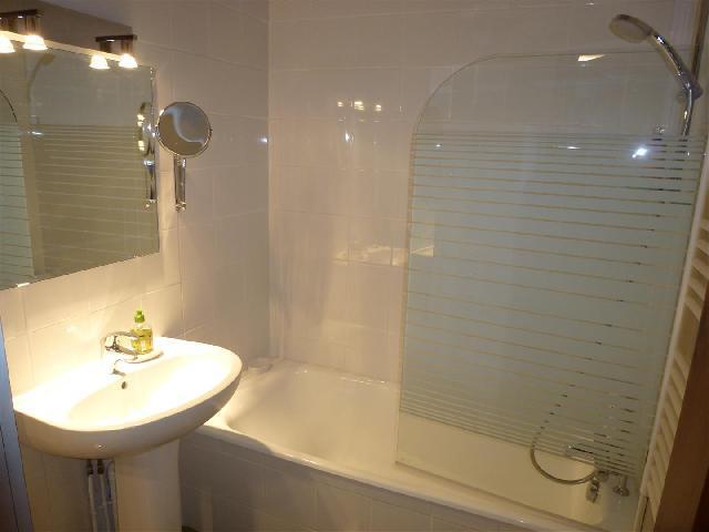 Location au ski Appartement 2 pièces 4 personnes (petra ) - Residence Champraz - Chamonix - Baignoire