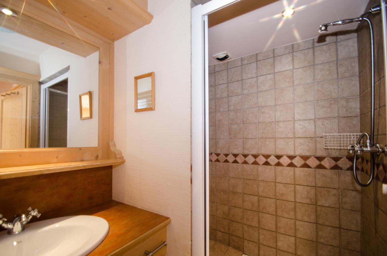 Location au ski Appartement 2 pièces 4 personnes - Residence Les Chalets Du Savoy - Orchidee - Chamonix - Chambre