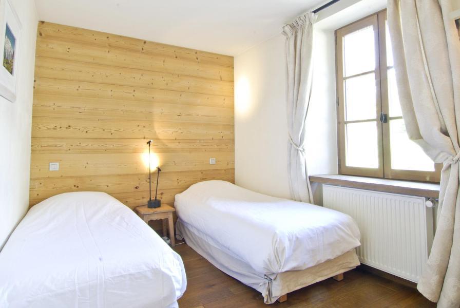 Rent in ski resort 4 room apartment 6 people - Chalet Ambre - Chamonix - Bedroom