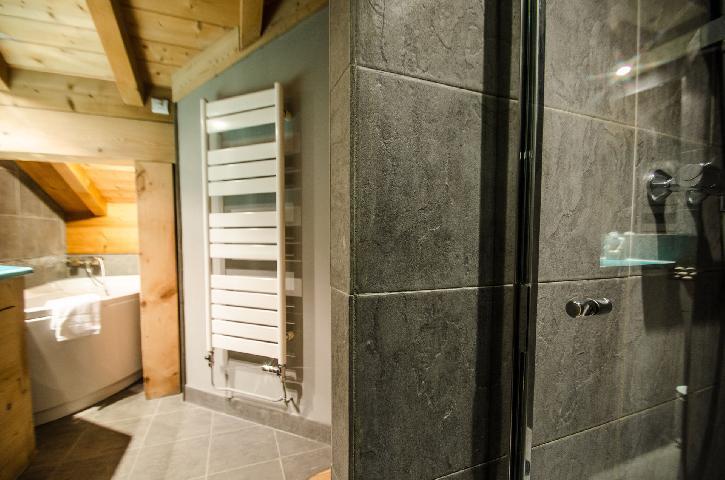 Location au ski Chalet duplex 3 pièces 4 personnes - Chalet June - Chamonix - Salle d'eau