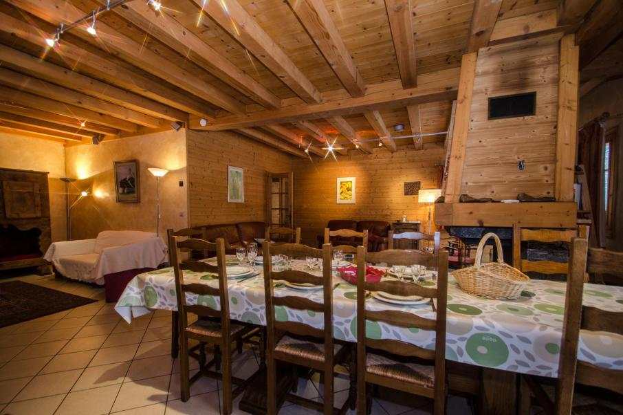 Аренда на лыжном курорте Шале 8 комнат 12 чел. - Chalet la Persévérance - Chamonix - Столова&