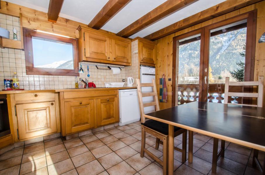 Location au ski Chalet triplex 8 pièces 12 personnes - Chalet le Tilleul - Chamonix - Cuisine