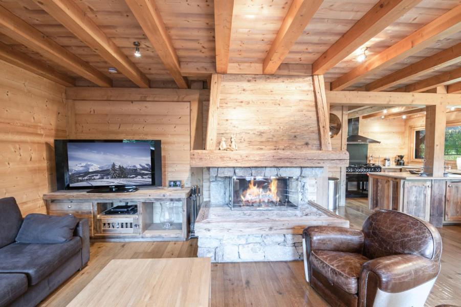 Location au ski Chalet 6 pièces 10 personnes - Chalet Peyrlaz - Chamonix - Cheminée