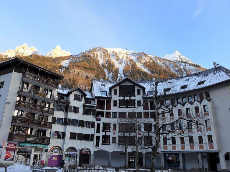 Holiday in mountain resort Gentiane - Chamonix - Winter outside