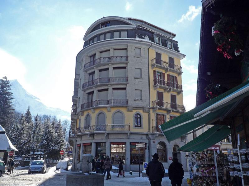 Holiday in mountain resort Le Carlton - Chamonix - Winter outside