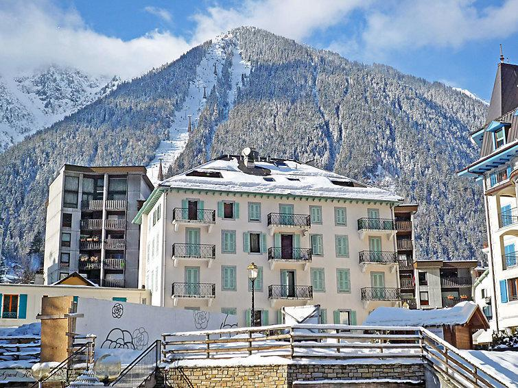 Holiday in mountain resort 2 room apartment 4 people (1) - Le Pavillon - Chamonix - Winter outside