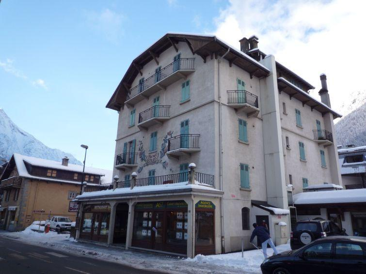 Holiday in mountain resort 2 room apartment 4 people (1) - Le Savoisien - Chamonix - Winter outside