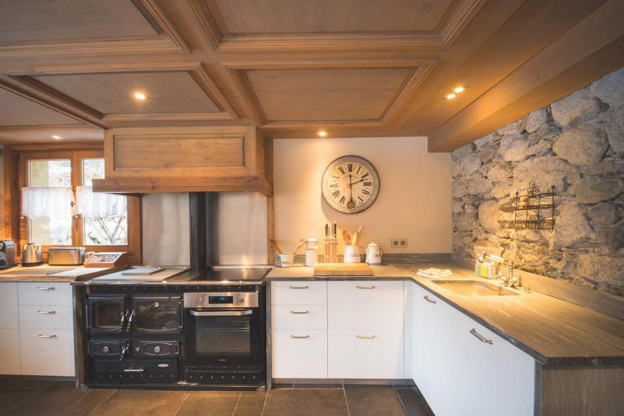 Rent in ski resort 7 room cottage 8 people - Maison Alpie - Chamonix - Kitchenette
